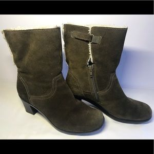 Clarks Bendsbles Water Resistant Suede Boots